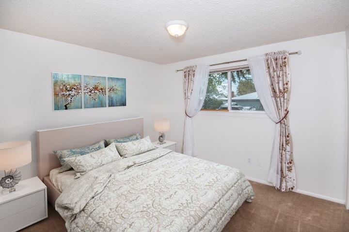 20720-sw-wright-st-bedroom-2